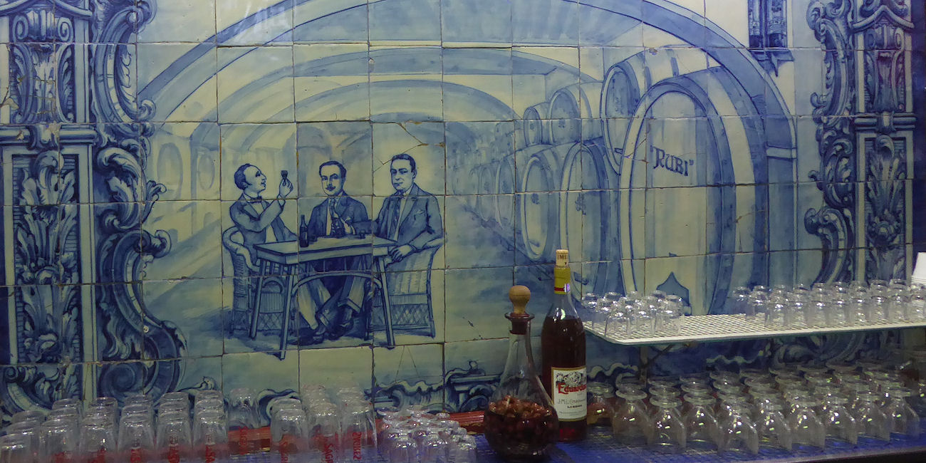 Best Bars in Lisbon ~ Ginjinha Rubi