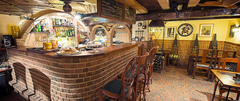 Best Bars Bratislava ~ Tempus Art Club / Photo:Facebook tempus.sk