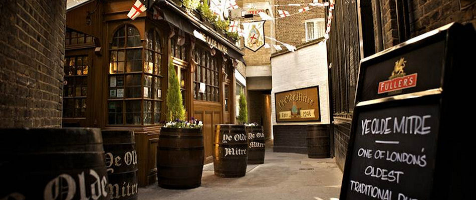 Best Pubs London ~ Ye Olde Mitre Holborn / Photo: yeoldemitreholborn.co.uk