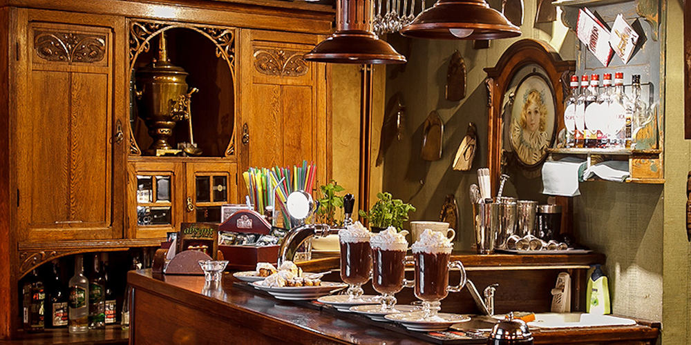 Best Bars Krakow ~ Absynt Cafe / Photo: absynt-krakow.pl