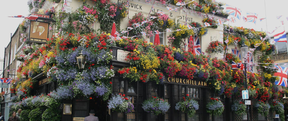 Best Pubs London ~ The Churchill Arms / photo: churchillarmskensington.co.uk