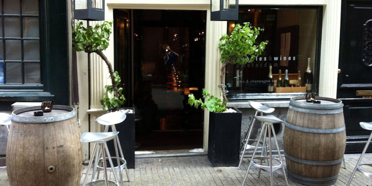 Best Bars Amsterdam ~ Bubbles and Wines / Photo: Facebook wijnbaramsterdam