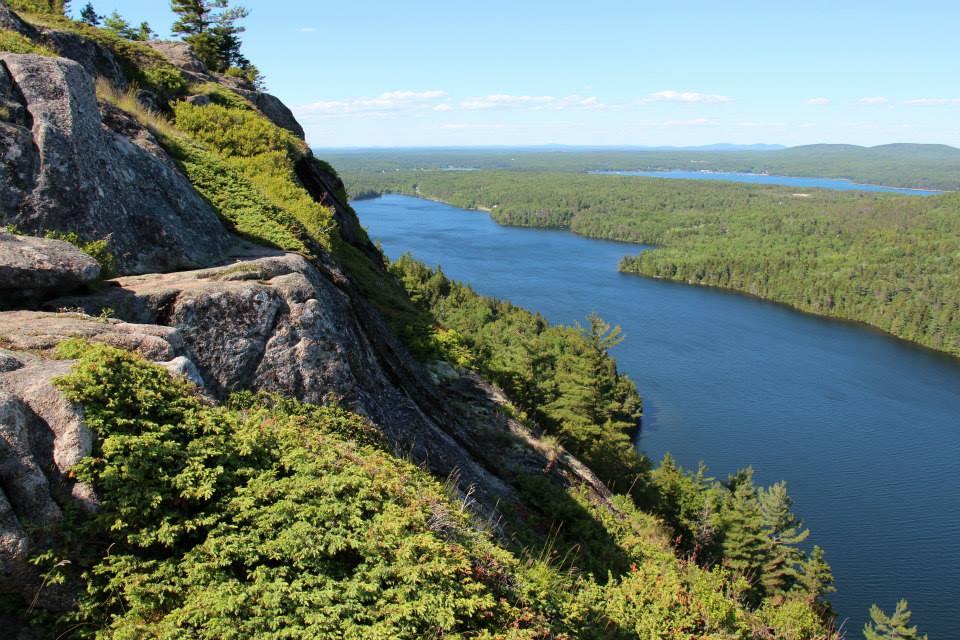 Beech Mountain Cliff Trail