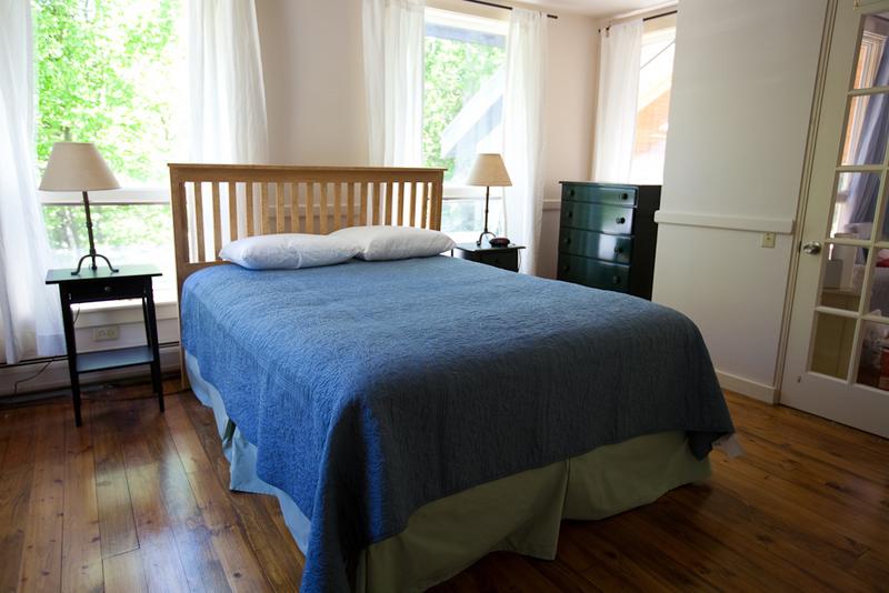 Bedroom - Main Level - Queen