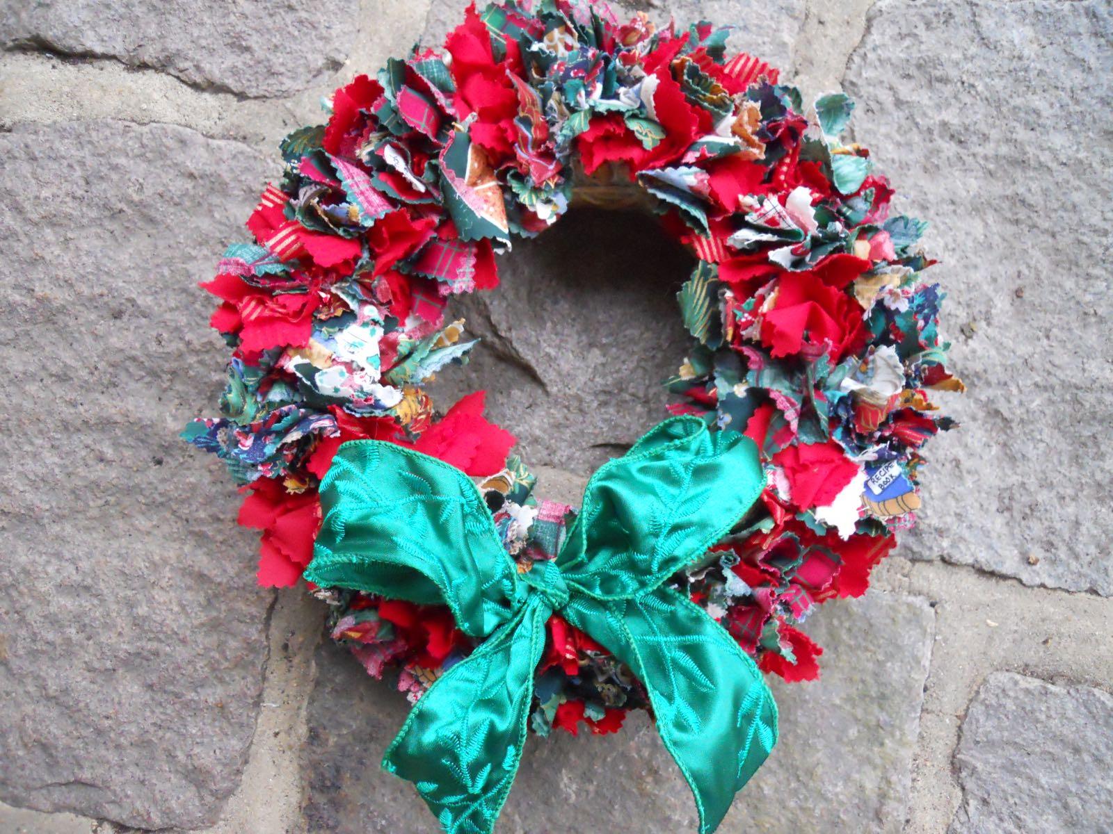 Fabric Holiday Wreath.jpg