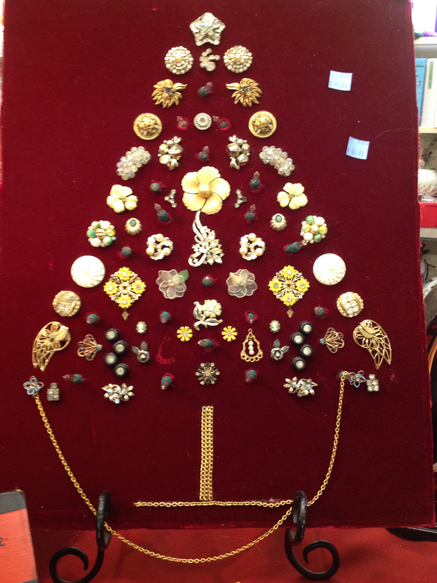 Handmade Christmas tree made out of jewelry pieces. It was for sale for $5.