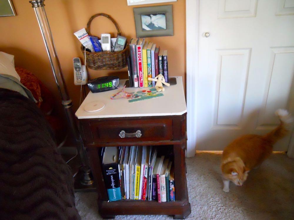 AFTER: Reading nook cleaned up and ready for the new year and new books.