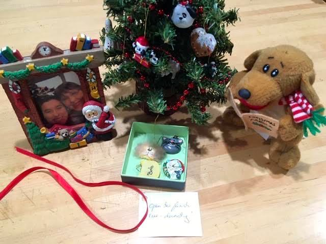 This tiny holiday scene is an easy personalized gift. (Photo by Charlotte Ekker Wiggins)