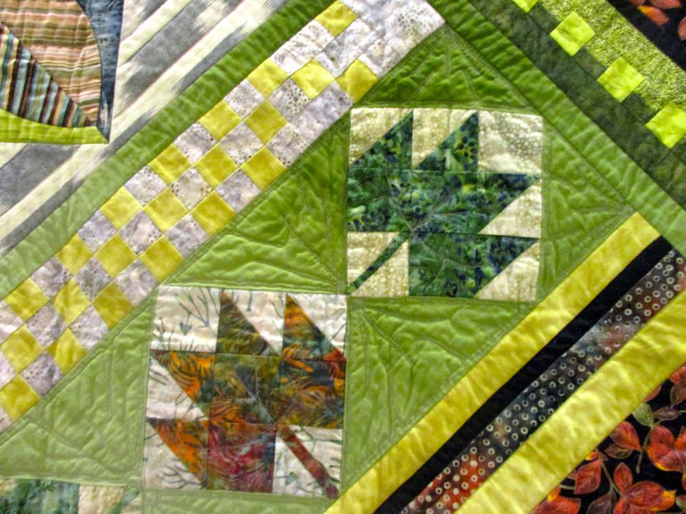 Patchwork leaves add more fall color tones. (Photo by Charlotte Ekker Wiggins)