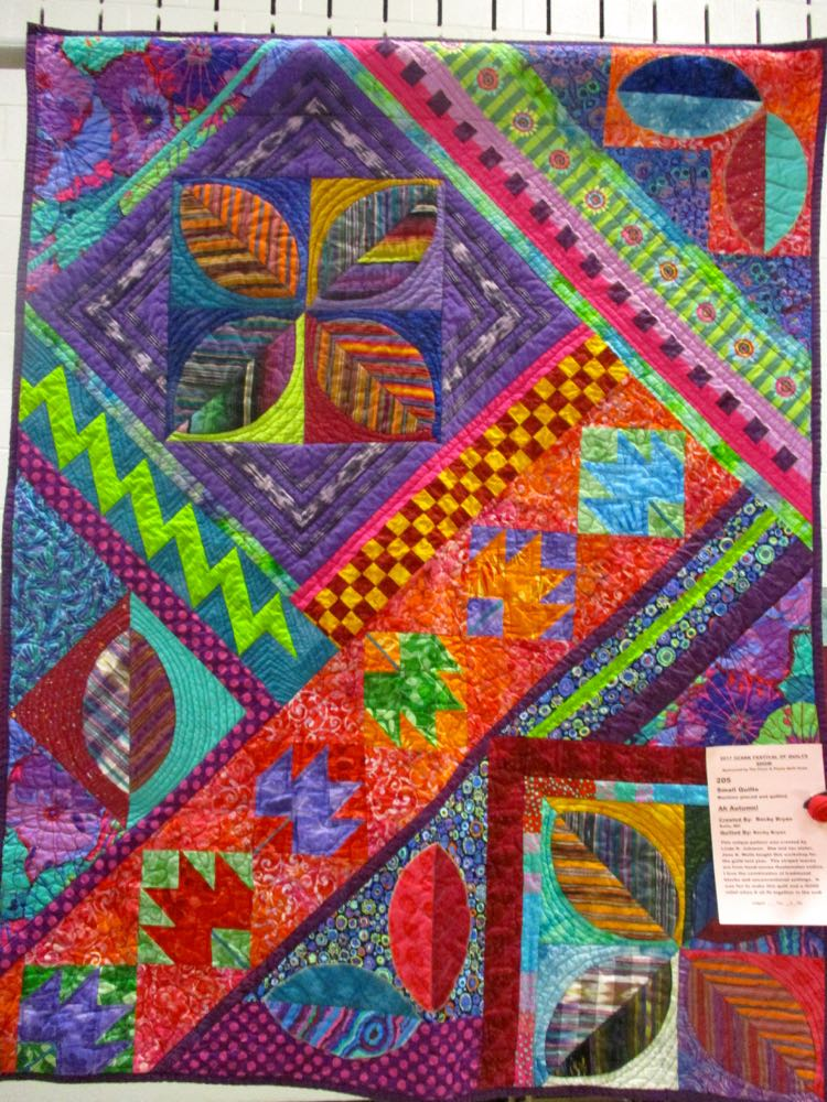 This autumn-themed quilt has livelier colors. (Photo by Charlotte Ekker Wiggins)