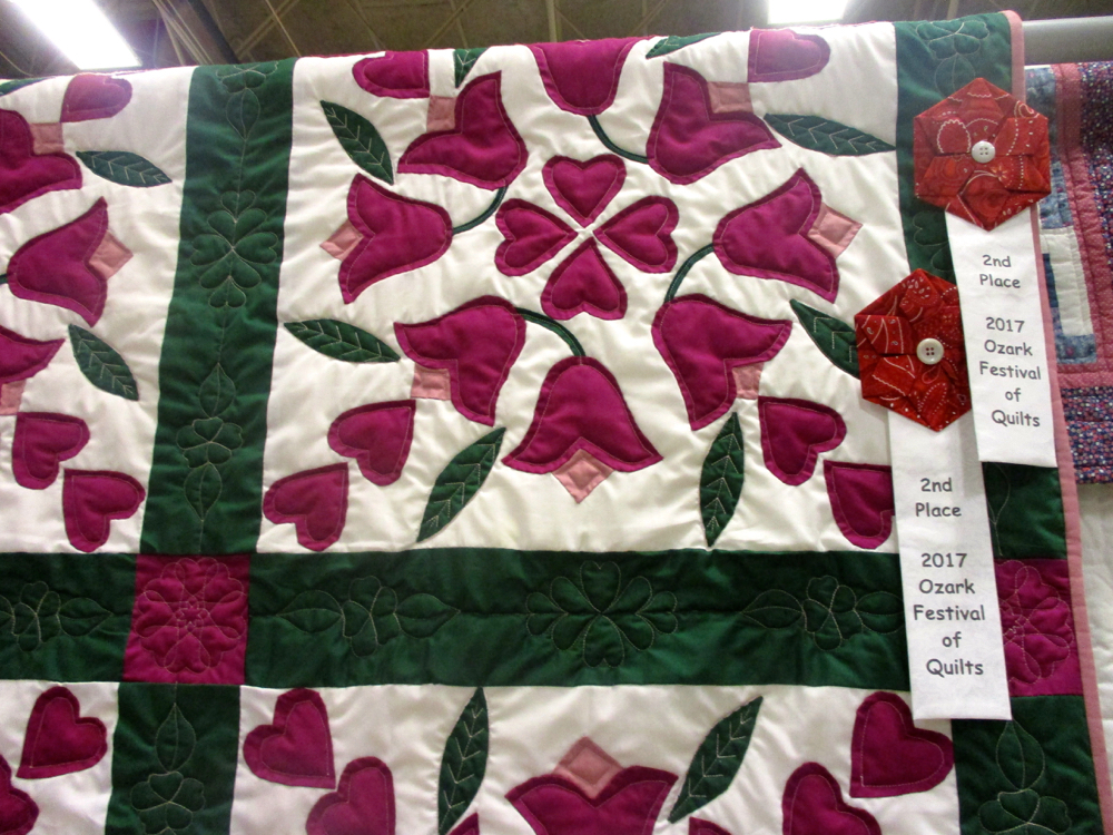 Gift of Applique Handmade Quilt won an award! (Photo by Charlotte Ekker Wiggins)