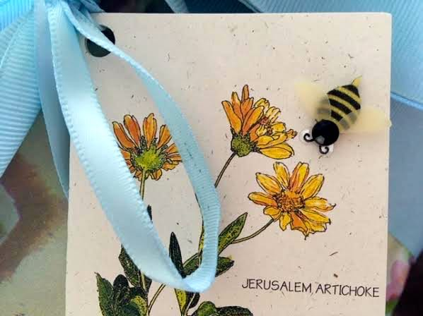 I added this honey bee to the gift card for a beekeeper. (Photo by Charlotte Ekker Wiggins)