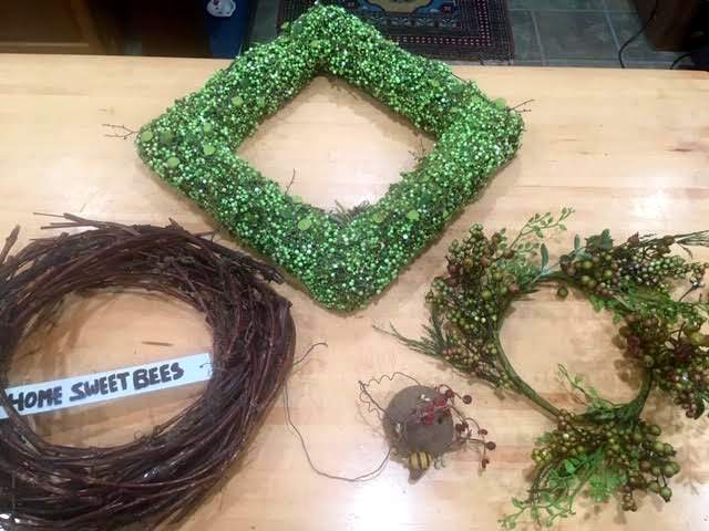 I decided to replace the grapevine wreath on the left. (Photo by Charlotte Ekker Wiggins)