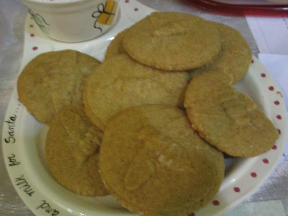 Honey peanut butter cookies are recommended to leave for Santa.