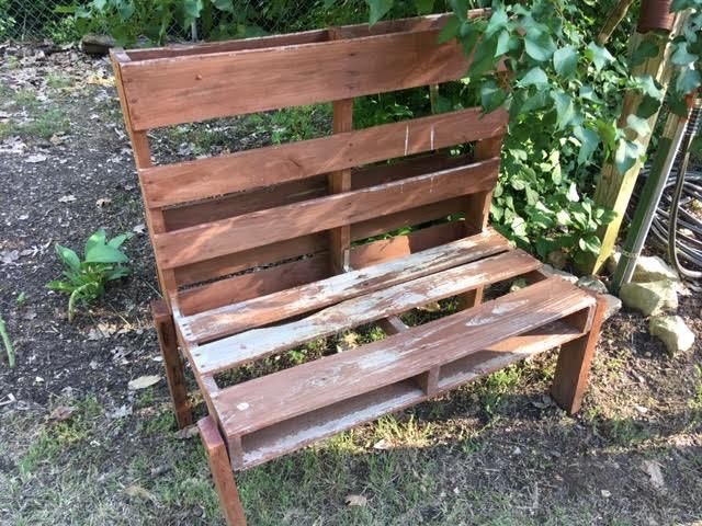 This garden bench was made out of one wooden pallet. (Photo by Charlotte Ekker Wiggins)
