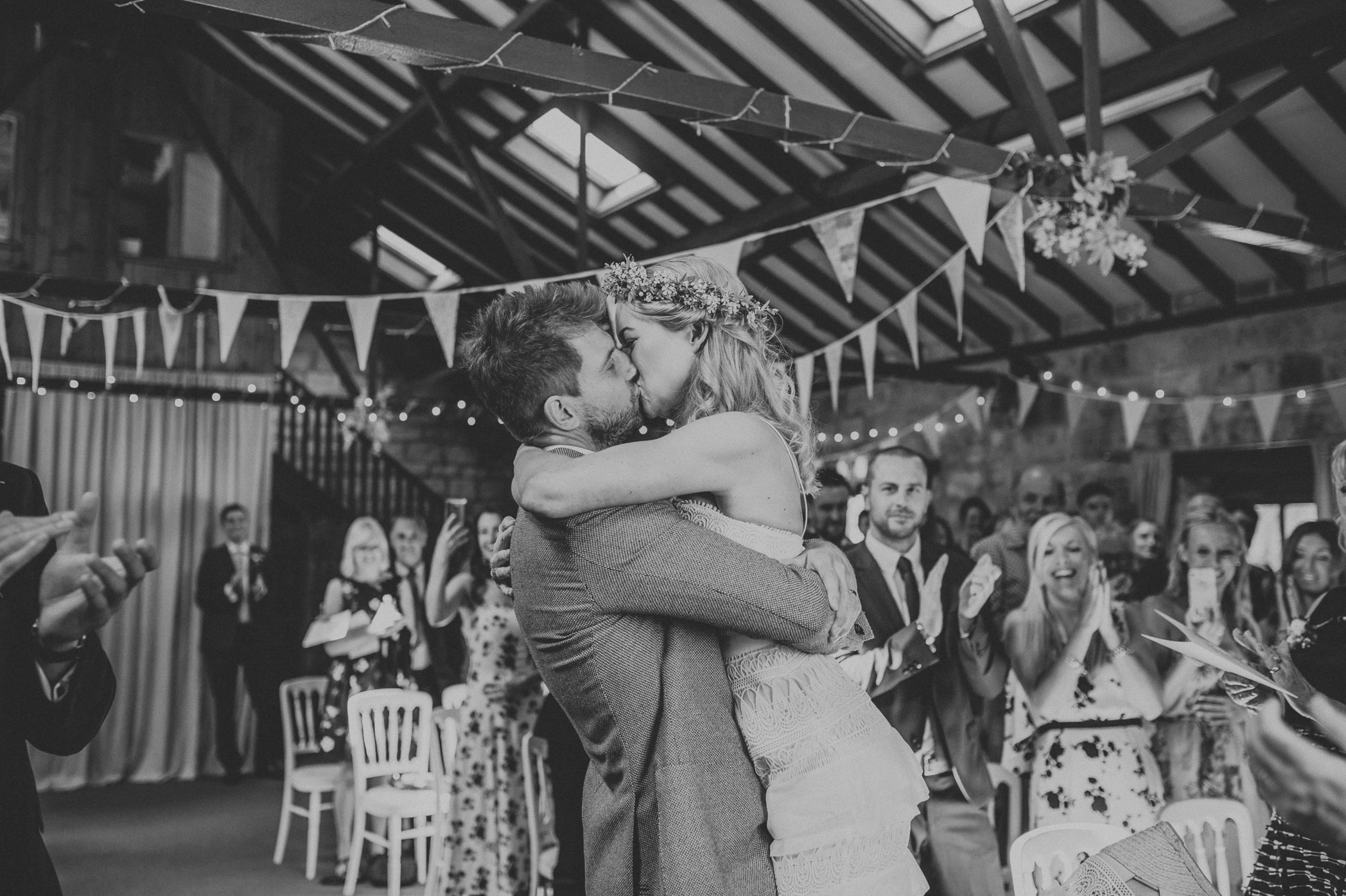 north yorkshire wedding first kiss