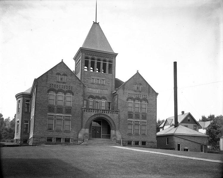 Coraopolis Public School No 1 - 1907-08-07 - University of Pittsburgh.jpg