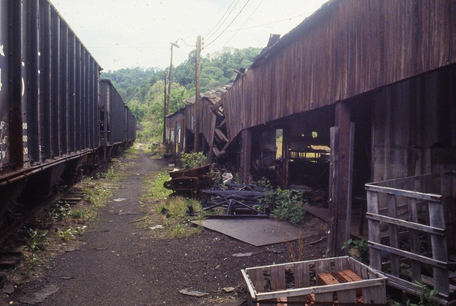 June 1983 Montour Junction Shops (3).jpg