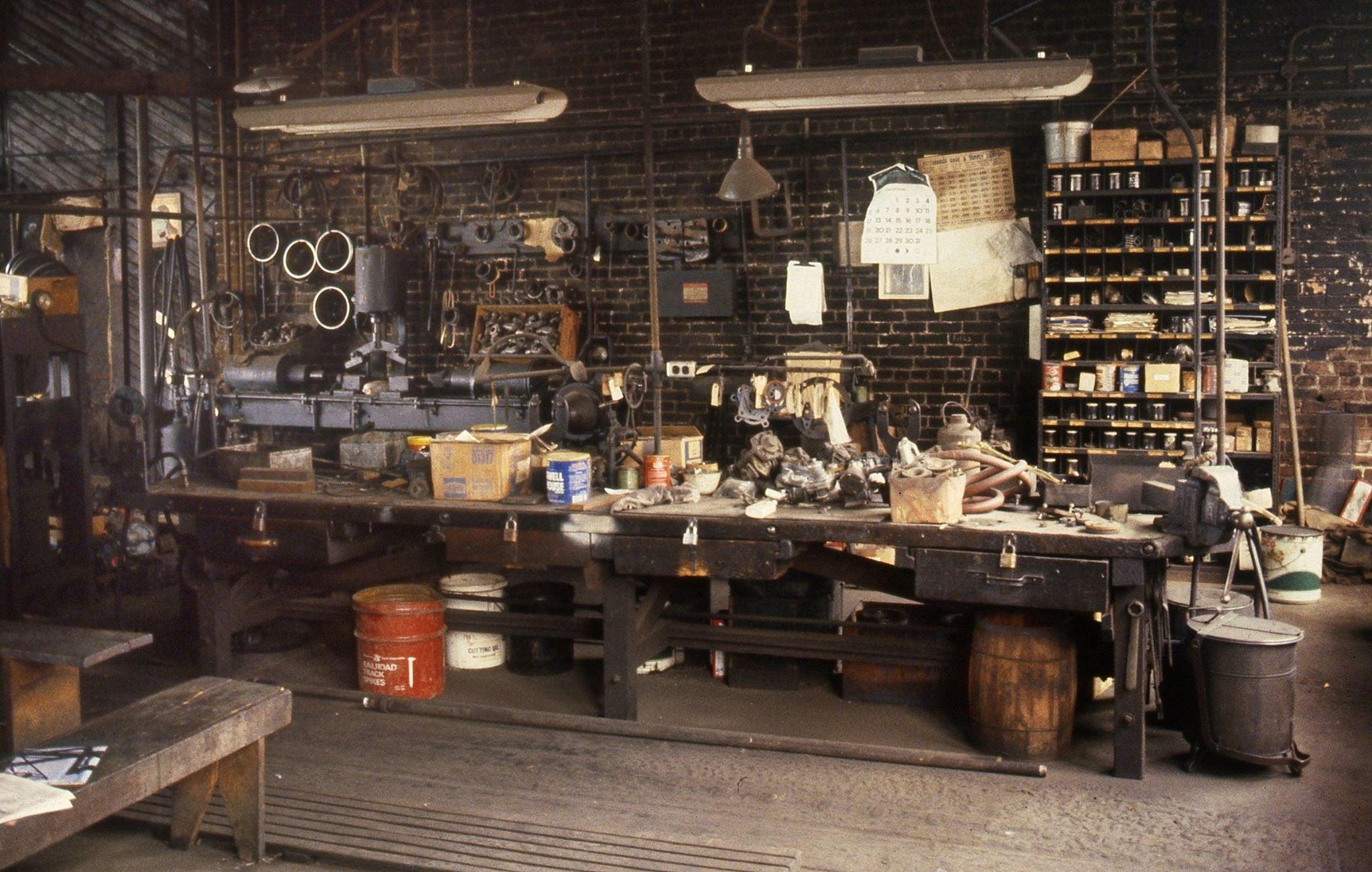 June 1983 Montour Junction Shops (4).jpg