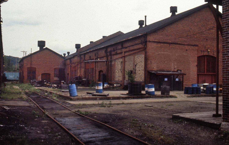 June 1983 Montour Junction.jpg
