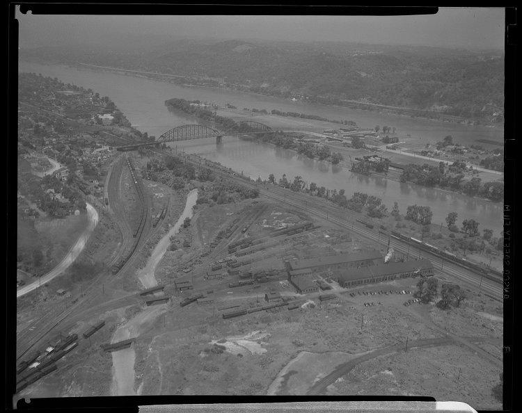 1946 Jun 27 Montour Junction Yards.jpg