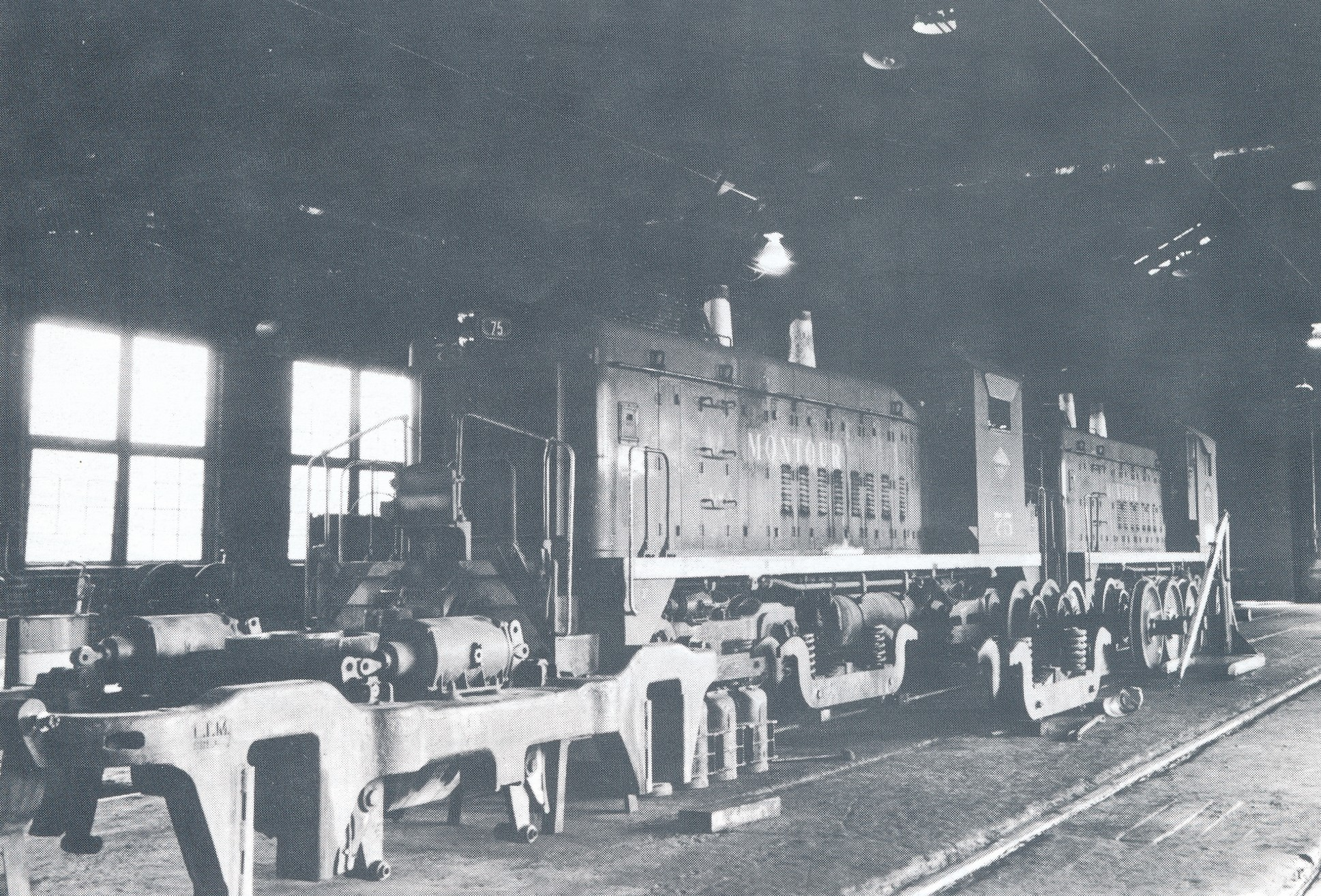Montour Junction Locomotive Shop June 1980.jpg