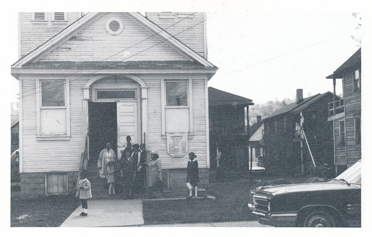 Coraopolis Church of God in Christ.jpg