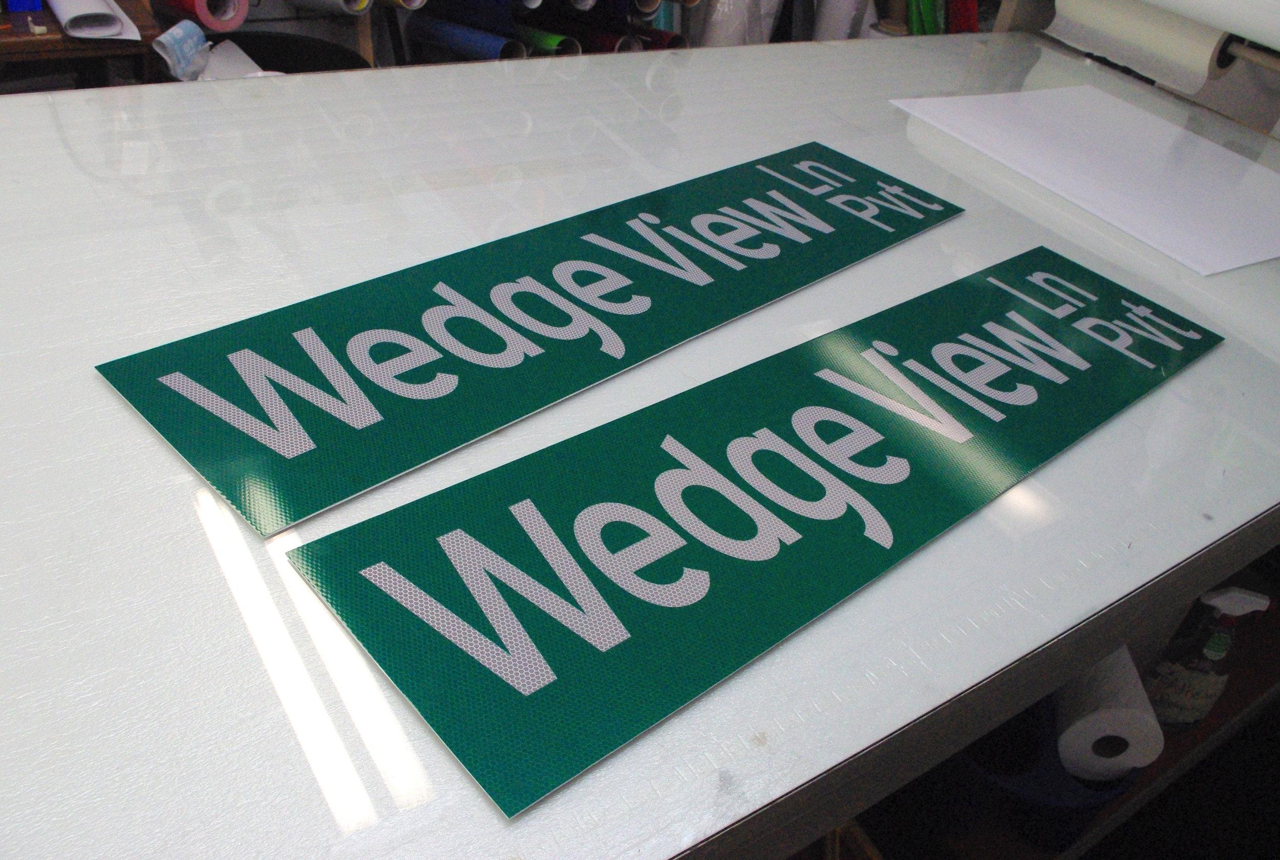 Chelan_county_road_sign.jpg