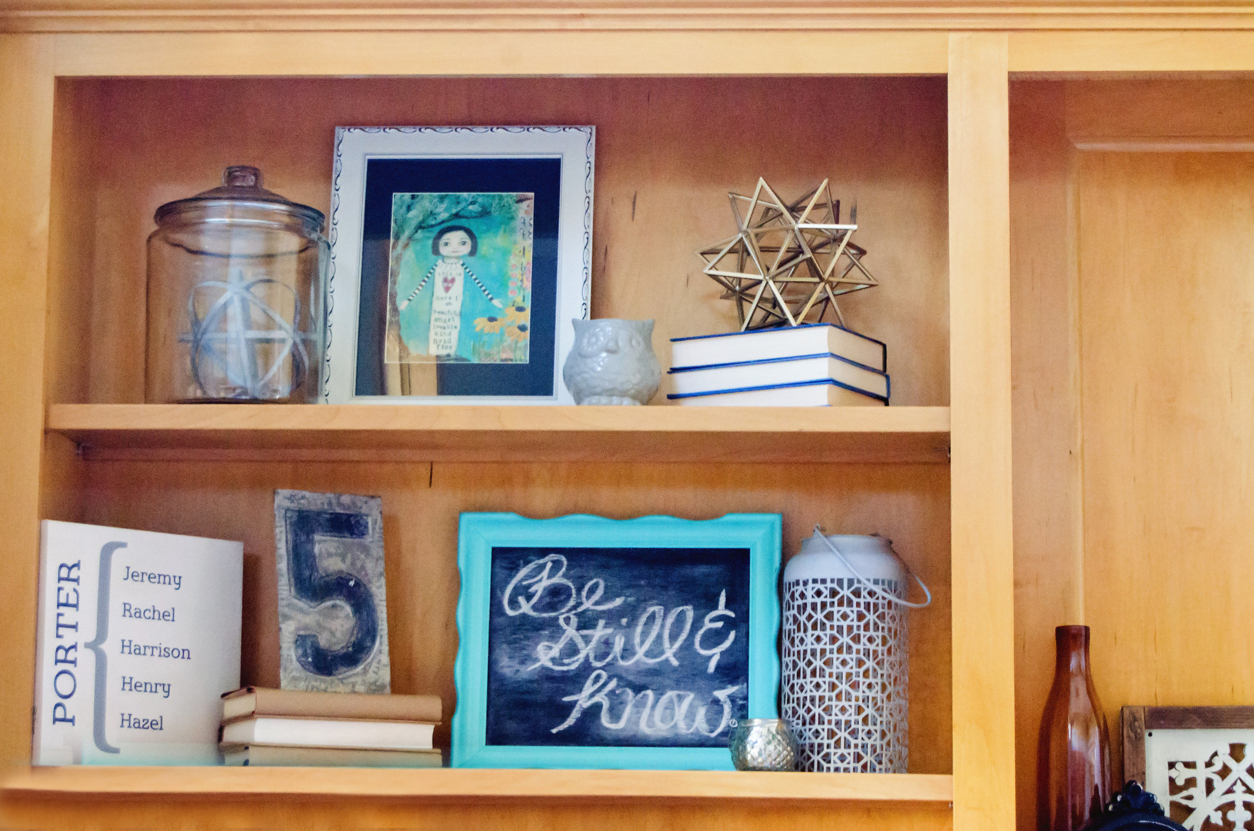 Shelf styling using chalkboards, books, and vintage finds. | hprallandco.com