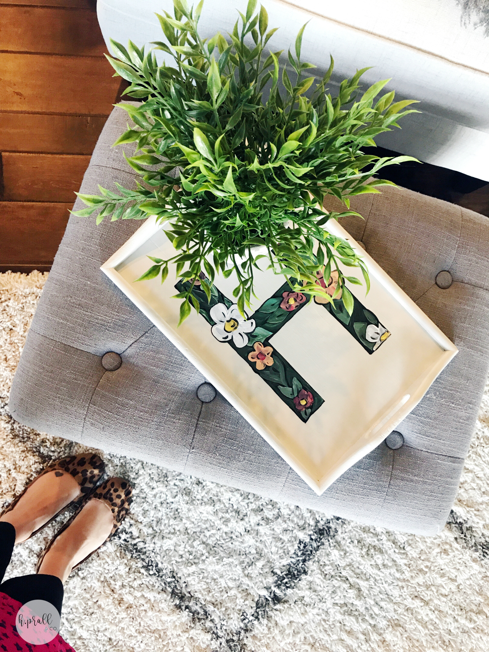Painted Tray makeover from H.Prall & Co. | hprallandco.com