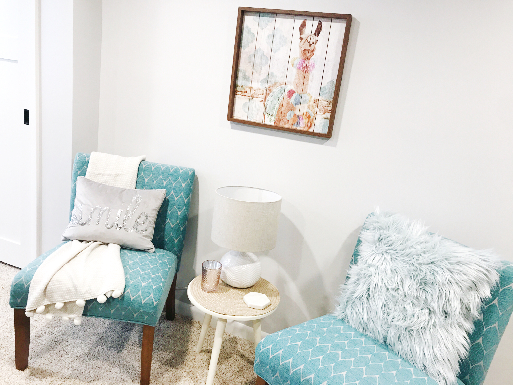 How to Layer Your Décor with a Plate Charger from H.Prall & Co Interior Decorating | hprallandco.com