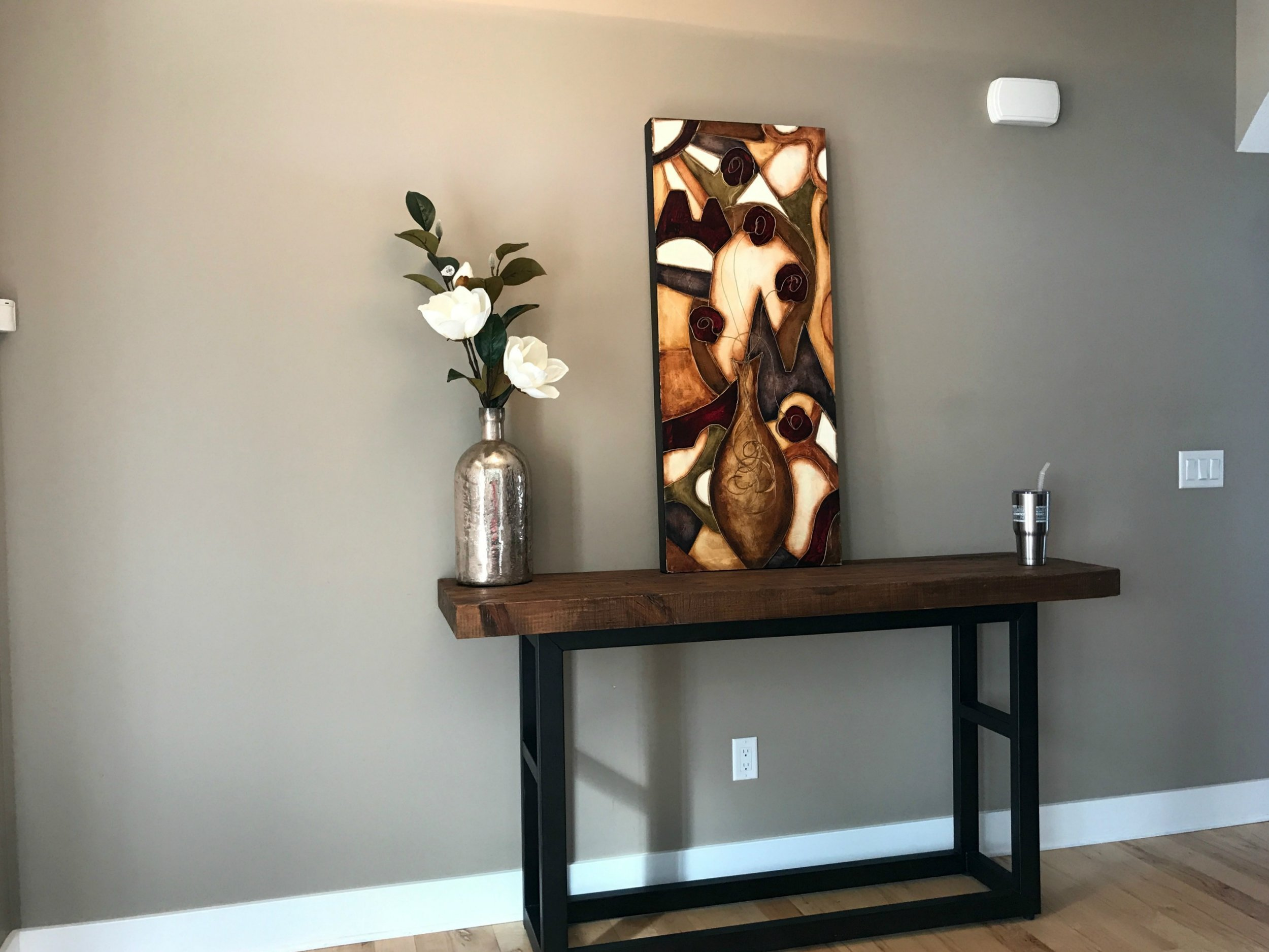 How to Update Your Entryway from hprallandco.com