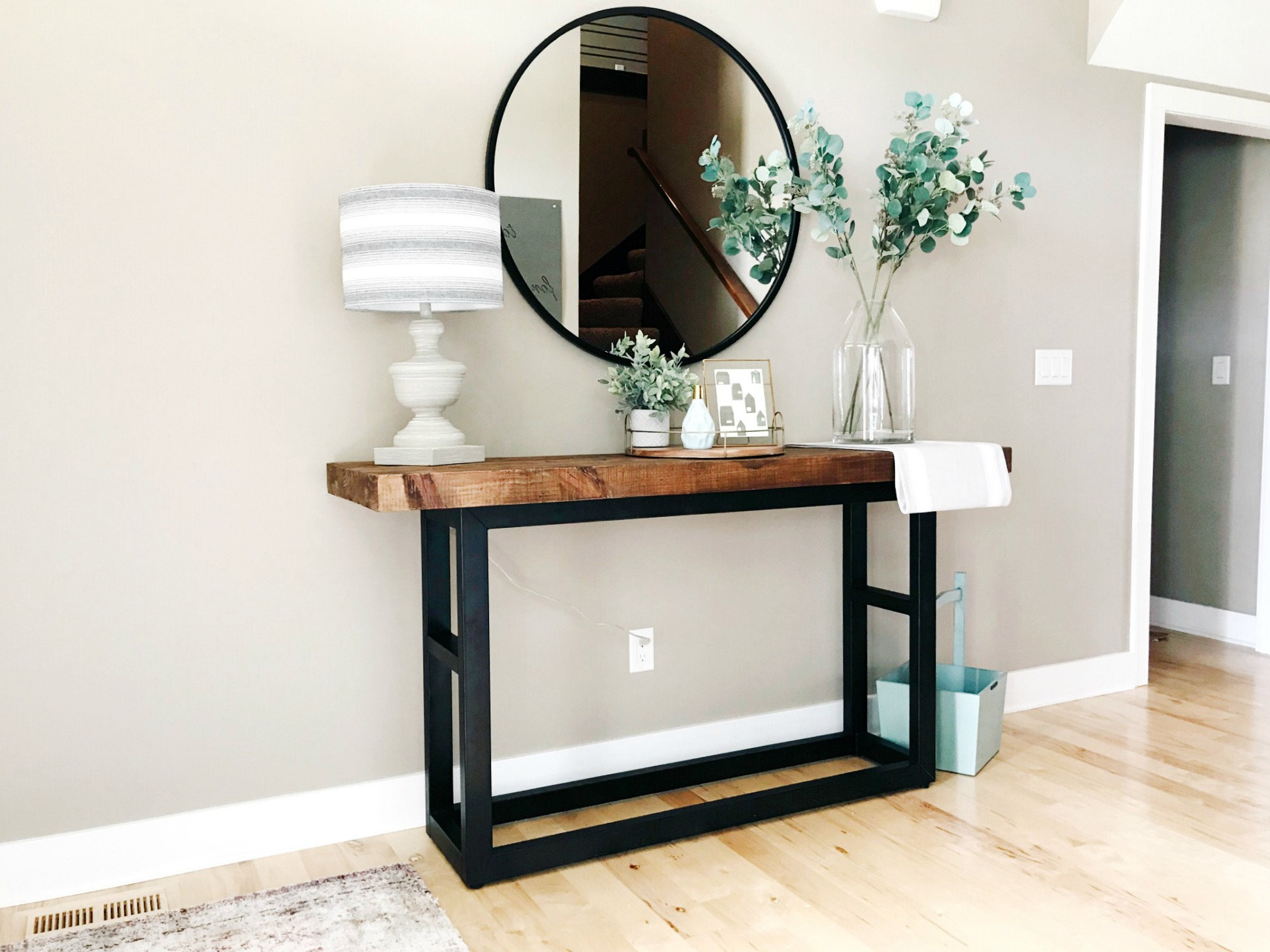 How to Update Your Entryway from H.Prall & Co. Interior Decorating | hprallandco.com