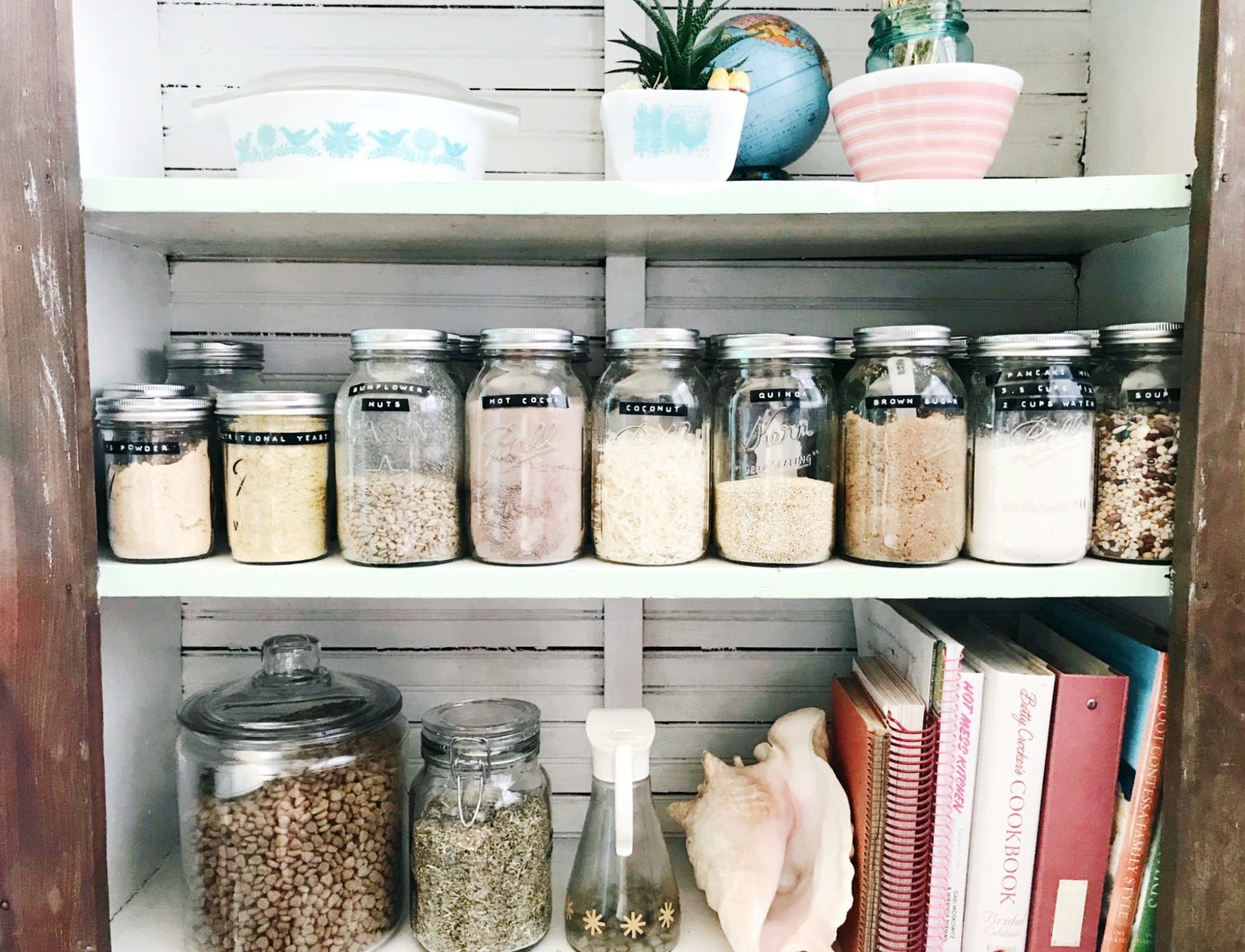 How to Organize your Pantry with Mason Jars from HPrallandCo.com