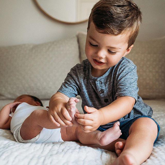 """Tickle, tickle Charlieeeee!"" #SilasShots #CharlesByrdJordan 📷: @mlneve"
