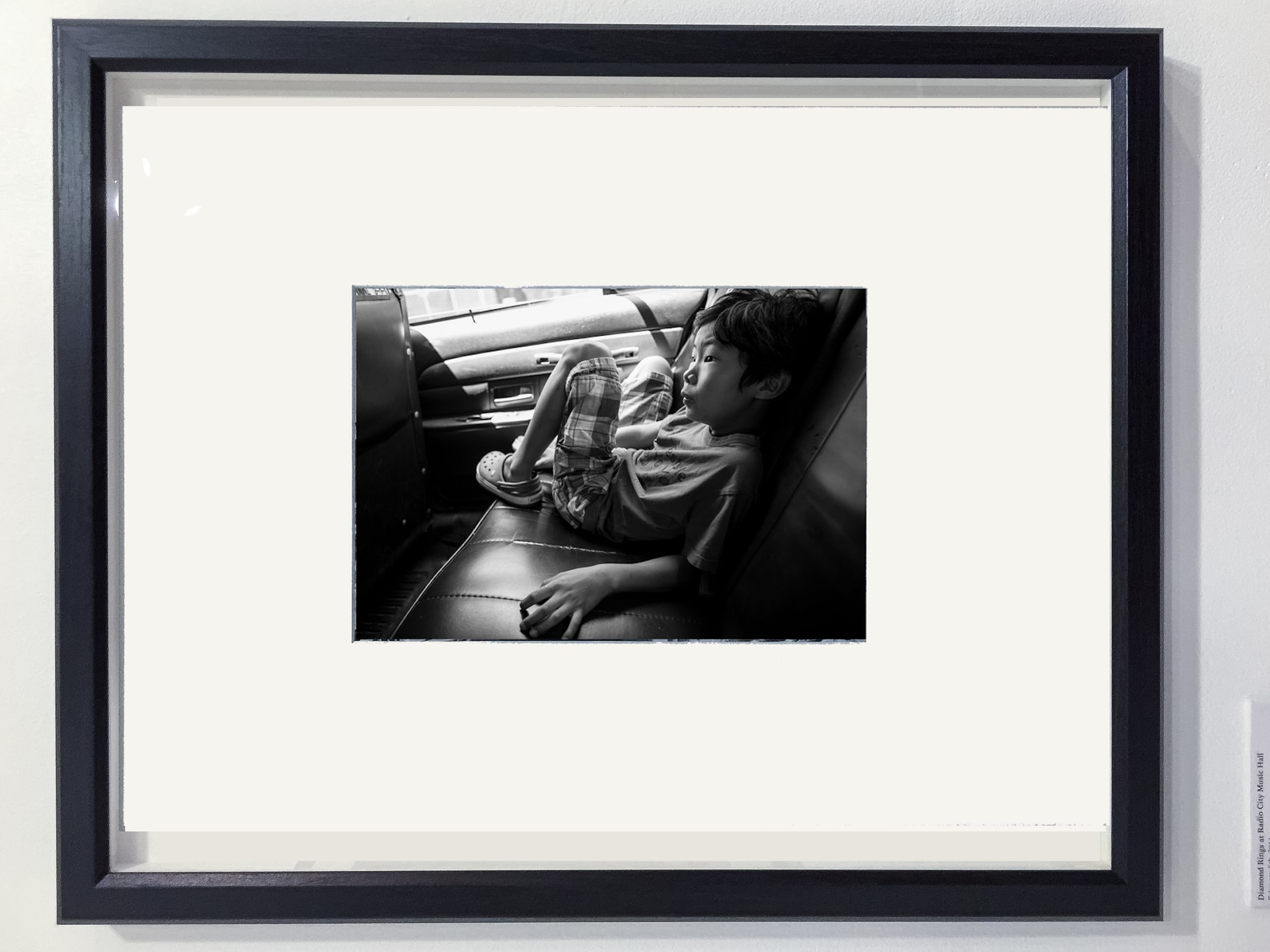 x00-avery-black-frame-mockup.jpg