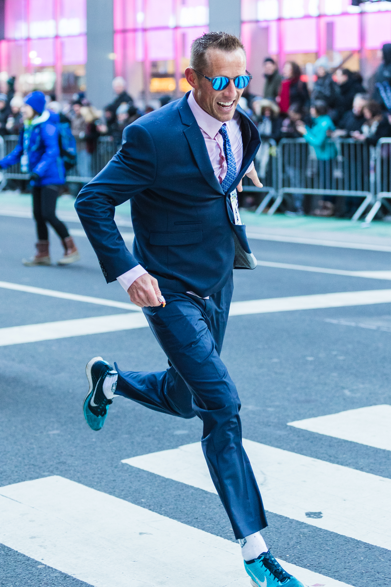 He completed the race in 1:11:36, good enough to beat the current Guiness World Record for Fastest Half-Marathon in a suit.