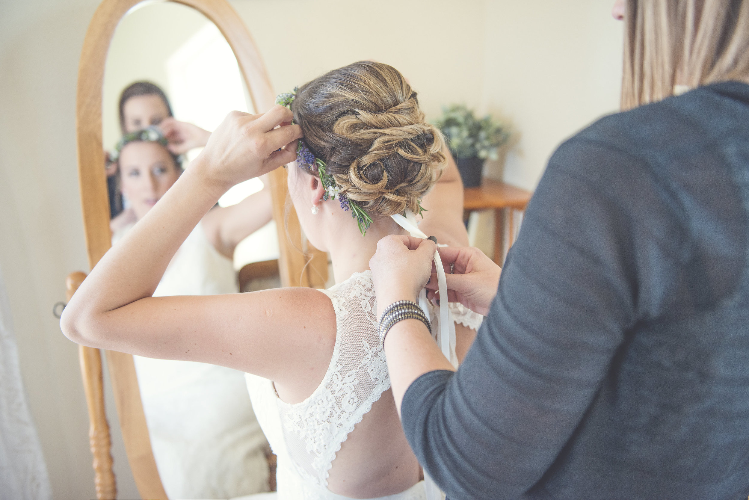 The Loft apartment is a perfect spot to do your hair and makeup before walking down the aisle. Photo Credit:  Eden Bryant PhotograpHy