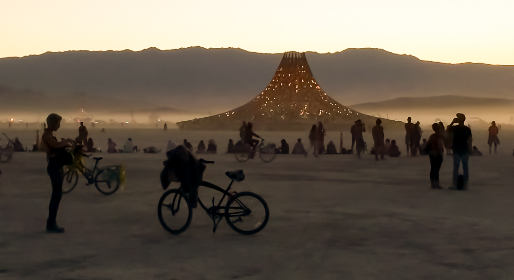 """The last moments before the burning of the temple """"Galaxia"""" designed by Arthur Mamou-Mani."""