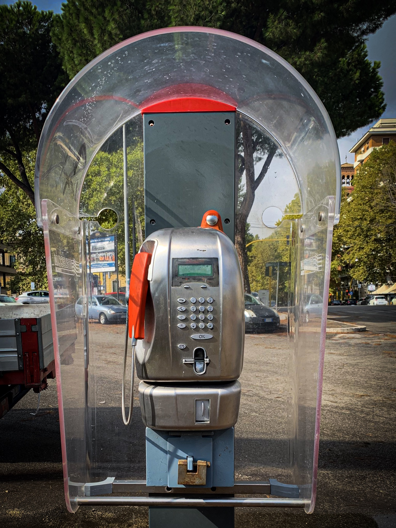 A working pay phone.