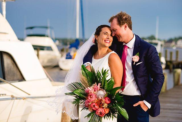 When the bride arrives on a yacht! @michellekayphoto⠀⠀⠀⠀⠀⠀⠀⠀⠀ •⠀⠀⠀⠀⠀⠀⠀⠀⠀ •⠀⠀⠀⠀⠀⠀⠀⠀⠀ •⠀⠀⠀⠀⠀⠀⠀⠀⠀ •⠀⠀⠀⠀⠀⠀⠀⠀⠀ •⠀⠀⠀⠀⠀⠀⠀⠀⠀ @sperrytents #waterfrontwedding #bohobride #modernwedding # #weddingideas #modernbride #bohowedding #happilyeverafter #stylemepretty #bridetobe #bettertogether #weddingflowers #bridalbouquet #weddinginspiration #theknot #ido