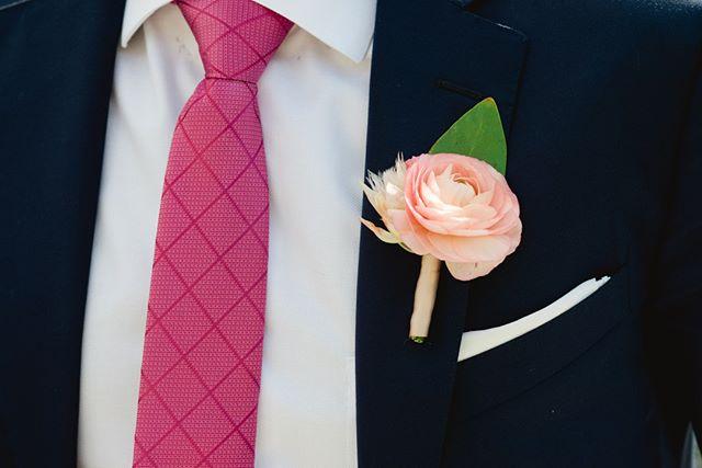 Pulling off pink like a pro! @michellekayphoto⠀⠀⠀⠀⠀⠀⠀⠀⠀ •⠀⠀⠀⠀⠀⠀⠀⠀⠀ •⠀⠀⠀⠀⠀⠀⠀⠀⠀ •⠀⠀⠀⠀⠀⠀⠀⠀⠀ •⠀⠀⠀⠀⠀⠀⠀⠀⠀ •⠀⠀⠀⠀⠀⠀⠀⠀⠀ @sperrytents #bohobride #modernwedding # #weddingideas #modernbride #bohowedding #happilyeverafter #stylemepretty #bridetobe #bettertogether #weddingflowers #bridalbouquet #weddinginspiration #theknot #ido