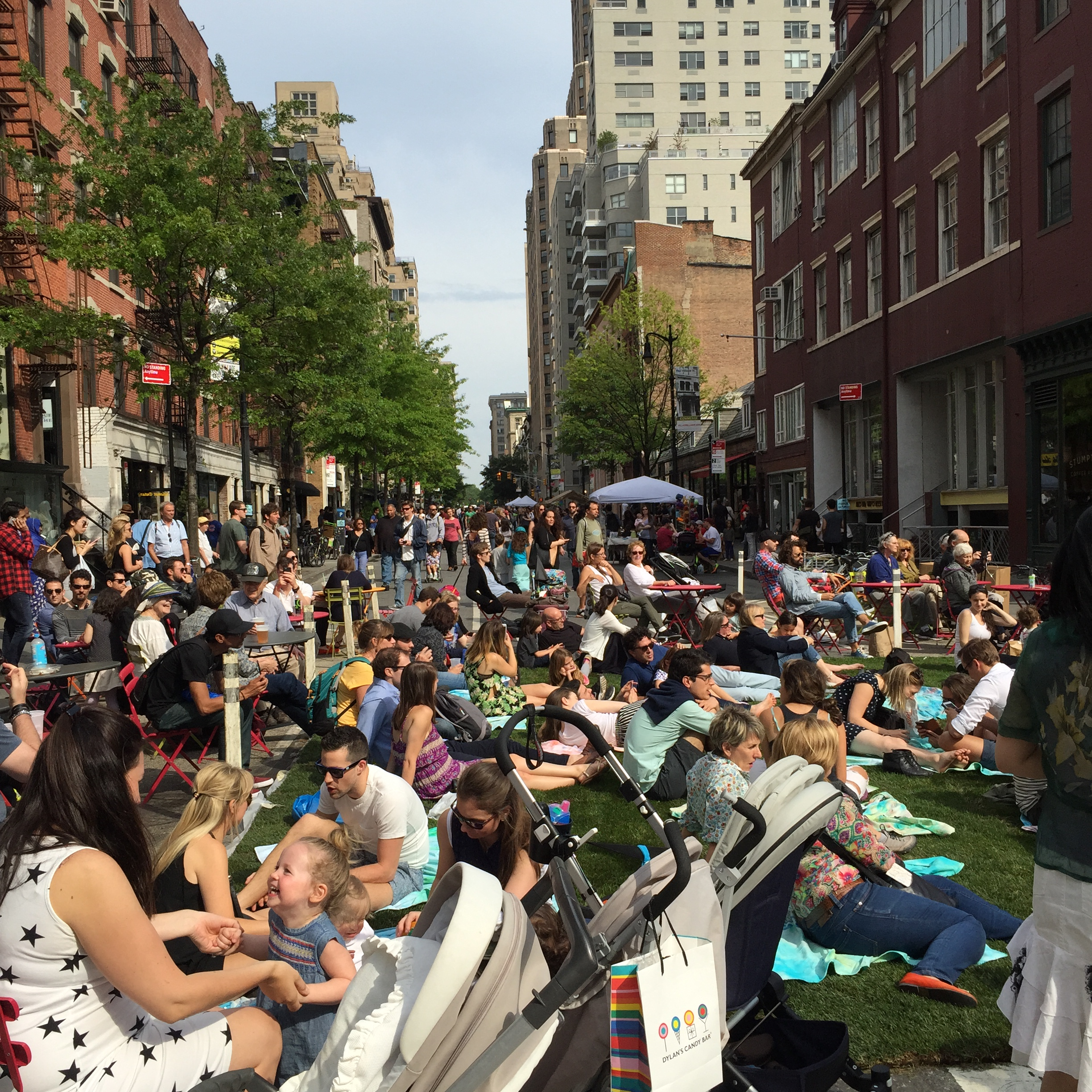 Thousands rocked out, created, listened, ate and drank at the Positively 8th Street Festival