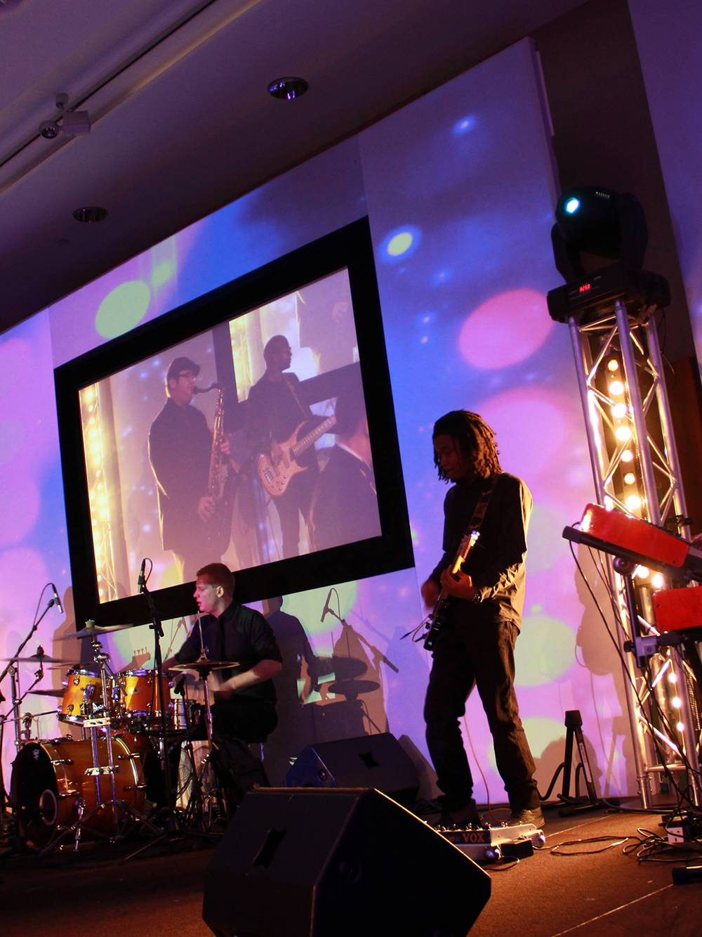 Projection Mapped Stage Set for a Gala Dinner at Hilton Liverpool