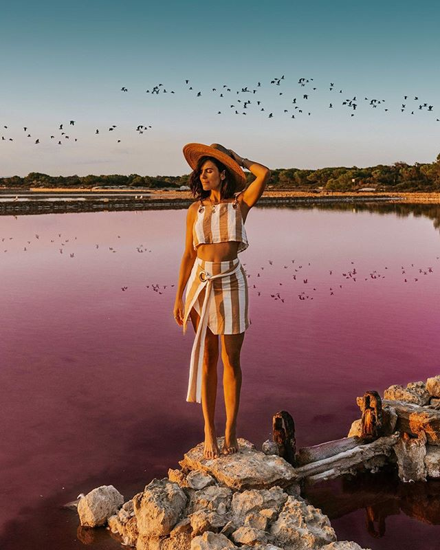 Magical Pink Salt in Formentera 💕🌸 this world is full of mysteries, ready to be explored. It's the good kind of lost the one where you don't want to be found 💕🦄 #pink #pinkwater #purple #girly #pastel