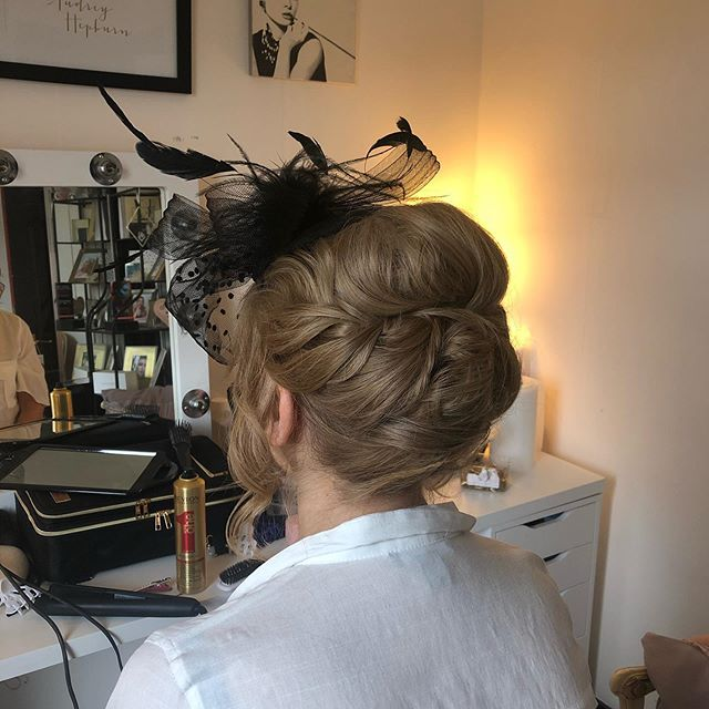 Some soft wedding guest hair for Mary this morning! #weddingguest #weddingguesthair #bridalhair #weddinghair #glasgow #scottishwedding #hairideas #updo #hairinspo #hairinspiration #weddingguestinspo
