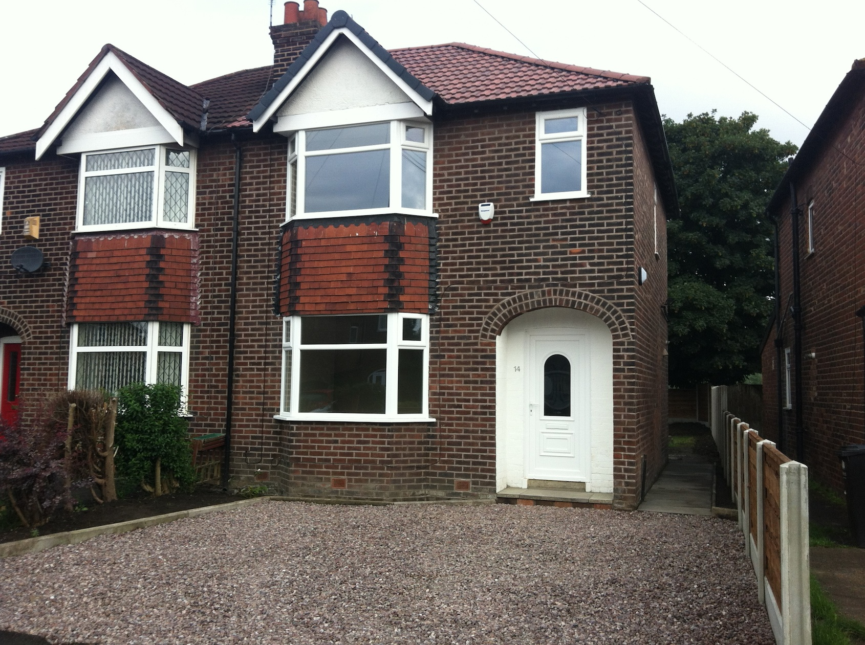 Belvedere Drive | £825 | 3 Bed - A fantastic family home with a drive, garden and views.