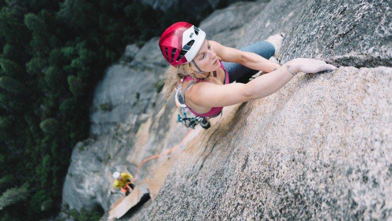 porsche-yosemite-climbing_h.jpg