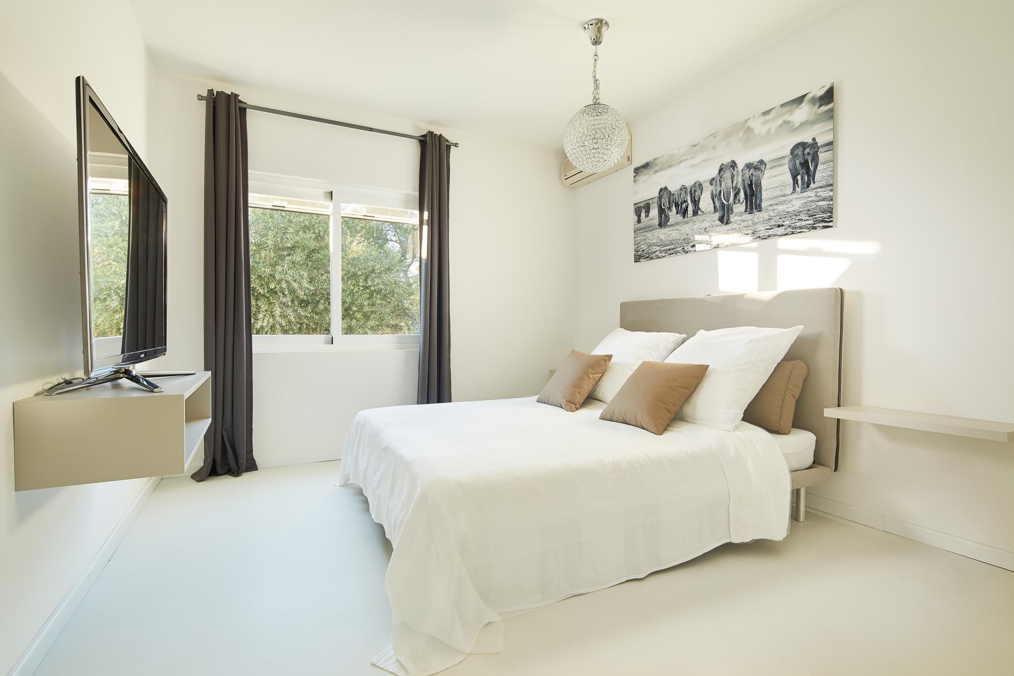 Bedroom_3.1.jpg
