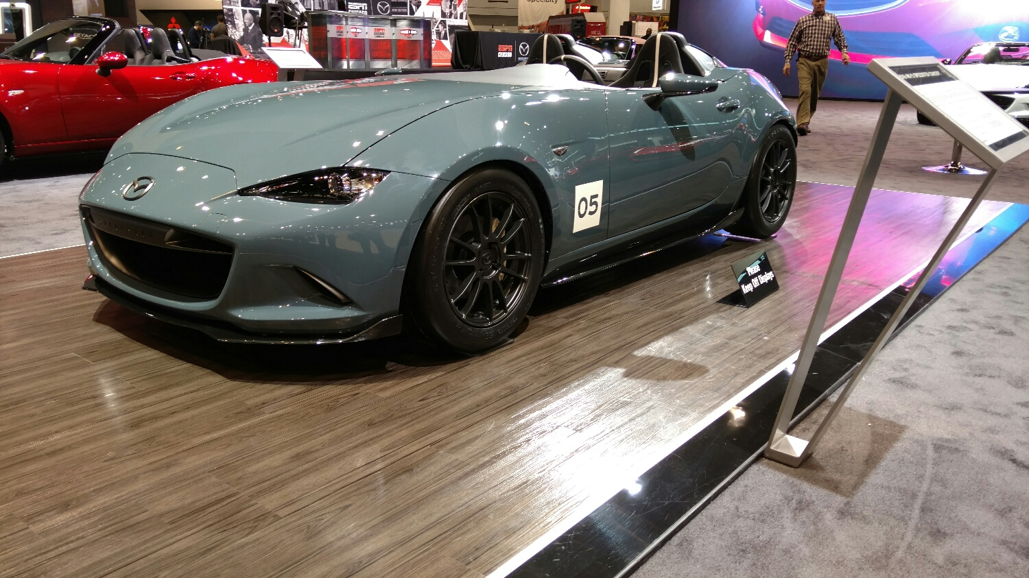 You saw pics of the windshield-less mx5 from elsewhere, but its so cool in person